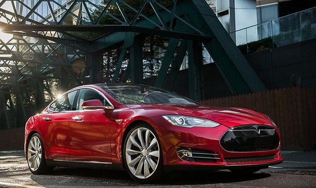 Tesla idzie do sądu! Poszło o… osiągi