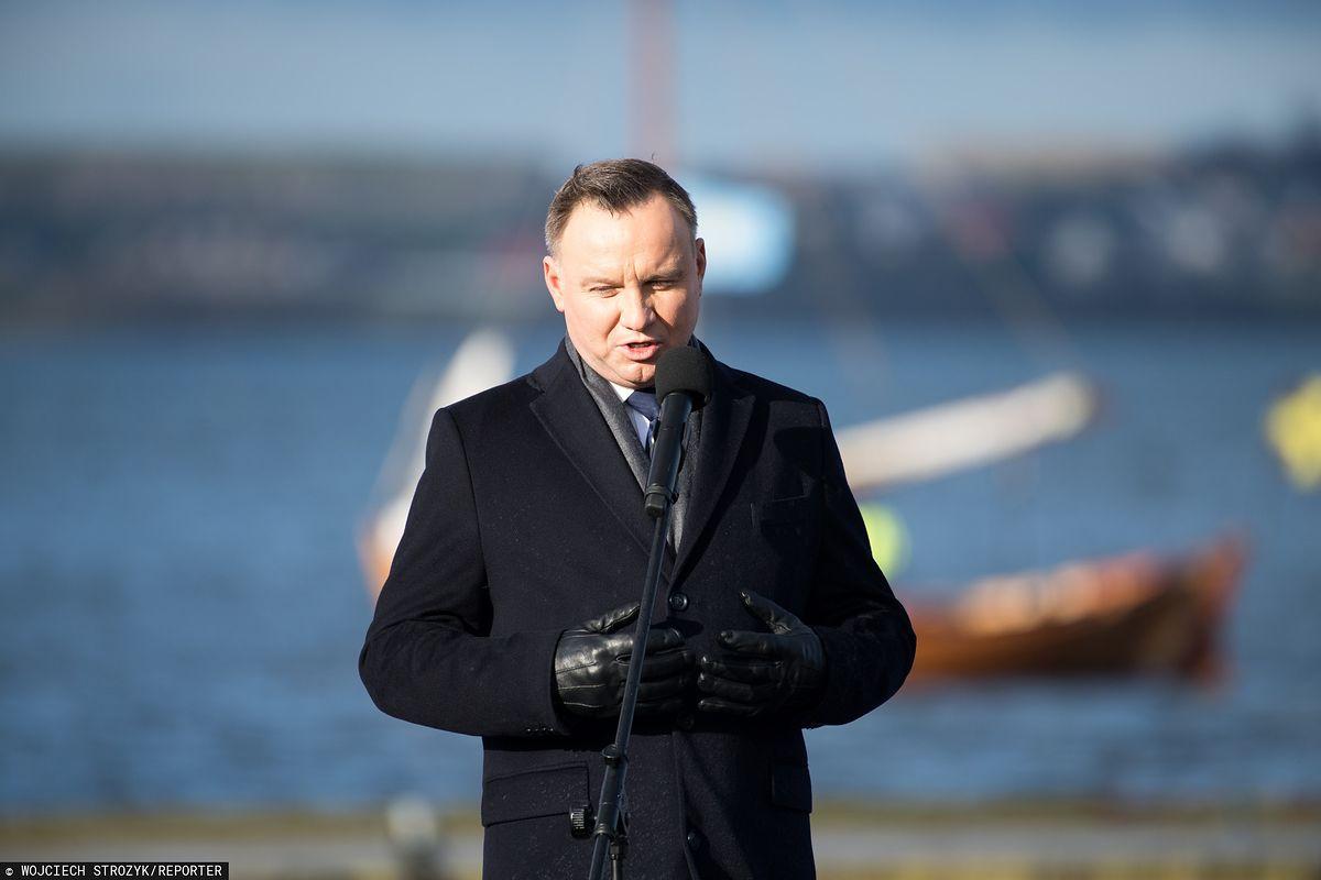 Prezydent Andrzej Duda wygwizdany w Pucku. PiS składa projekt uchwały