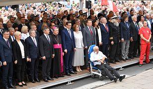 Macierewicz obok najważniejszych polityków w rządzie