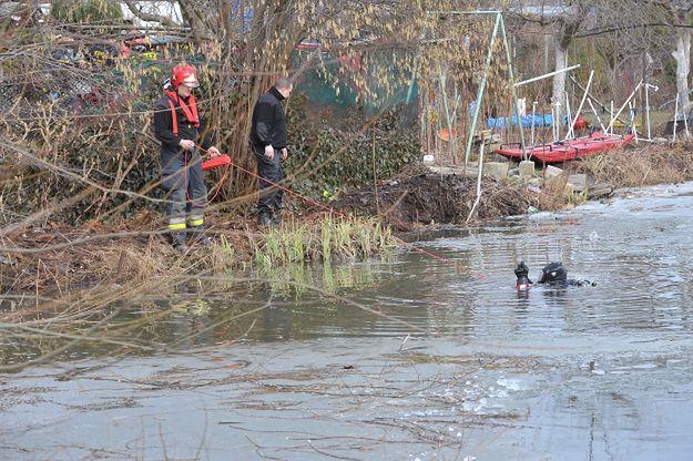 Szczecin: dwóch chłopców wpadło pod lód