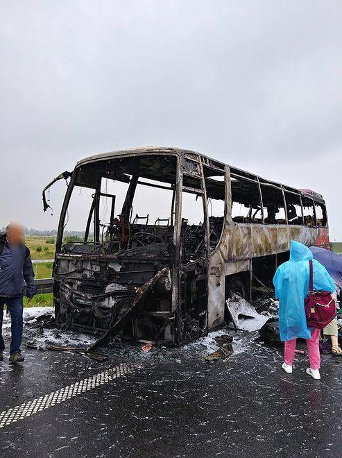 Wypadek na A4. Autobus spłonął w Łące k. Rzeszowa