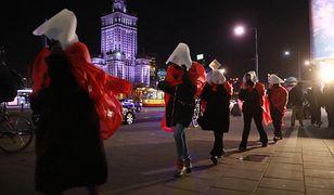 """Strajk Kobiet w Warszawie. """"Blokada w oparach absurdu"""""""