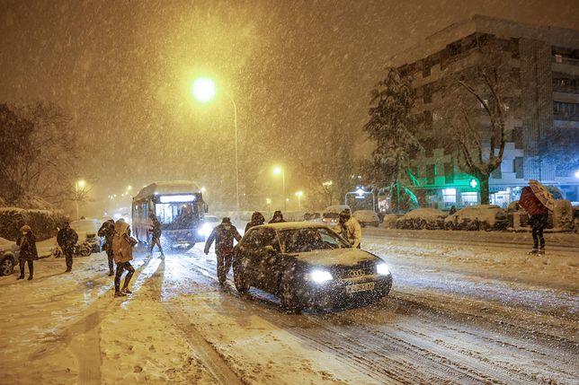 Pogoda. Nad Polskę nadciągają burze śnieżne