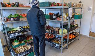 Jadłodzielnia, czyli miejsce, do którego jedzenie przynoszą ci, którzy mają go za dużo, a biorą ludzie, którym go brakuje
