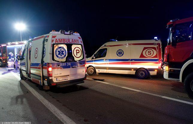 Gromadka na Dolnym Śląsku. Wypadek cysterny z chemikaliami. Nie żyje kierowca (zdj. ilustracyjne)
