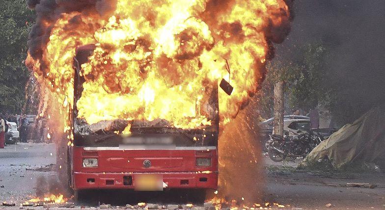 W Bydgoszczy doszczętnie spalił się autobus. Zdjęcie ilustracyjne