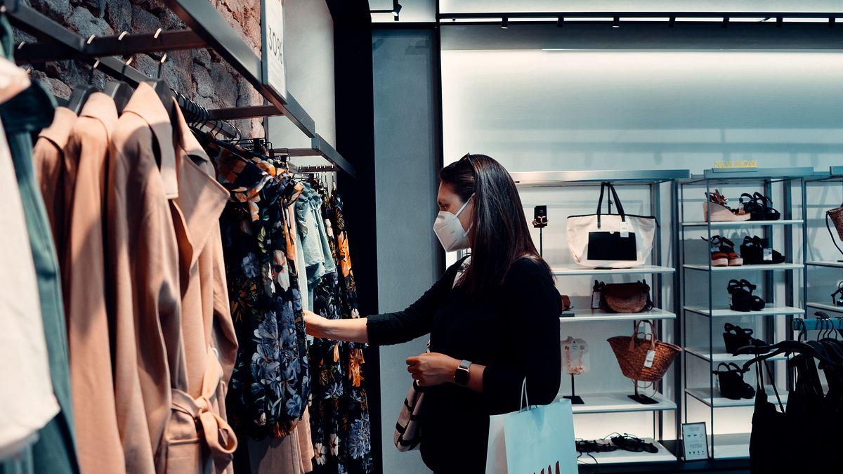 Branża odzieżowa chwyta się brzytwy? Vistula wprowadza odzież dla kobiet
