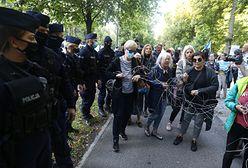 Stan wyjątkowy. Debata w Sejmie. Protest