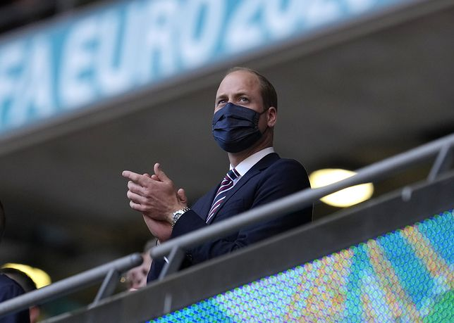 Książę William pojawił się na stadionie bez Kate i dzieci