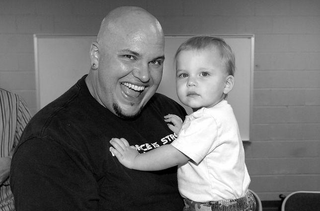 Andy Williams z synem w 2005 r. przed koncertem dla 10 tys. fanów