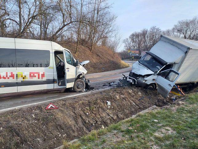 Dębiany. 8 osób poszkodowanych w wypadku