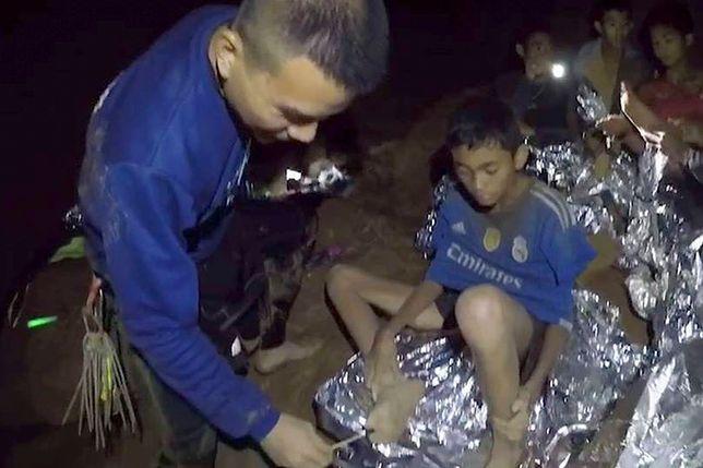 Tajlandia, jaskinia Tham Luang Nang Non