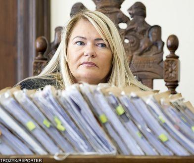 Sędzia Lidia Jedynak odczytując przez 150 godzin wyrok ws. afery Amber Gold ustawi nowe rekordy czytania.