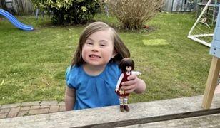 Dziewczynka z zespołem Downa ma powody do radości. Powstała lalka, która wygląda jak ona
