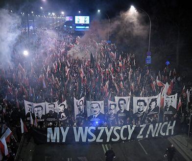 """11.11.2018 r. - Marsz Niepodległości połączony ze zorganizowanym przez prezydenta Biało-Czerwonym Marszem """"Dla Ciebie Polsko""""."""