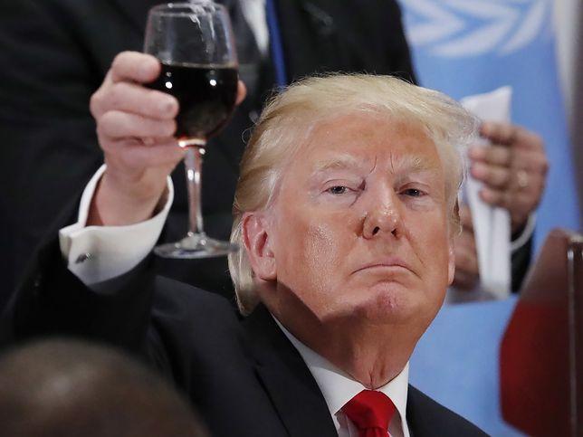 Donald Trump wznosi toast przy okazji Zgromadzenia Ogólnego ONZ w Nowym Jorku