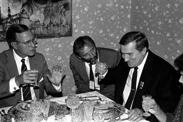 George H.W. Bush na spotkaniu z Lechem Wałęsą