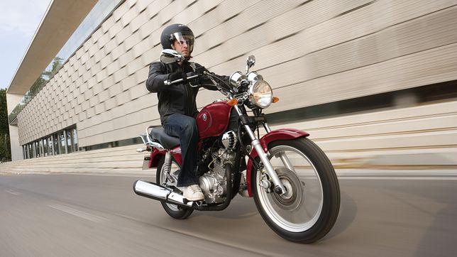 Motocyklami 125 można jeździć z prawem jazdy kategorii B.