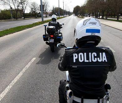 Bezpieczny motocyklista jesienią