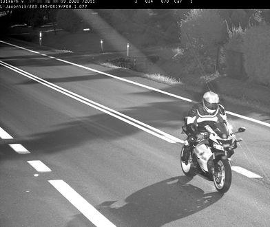 Fotoradar przyłapał motocyklistę
