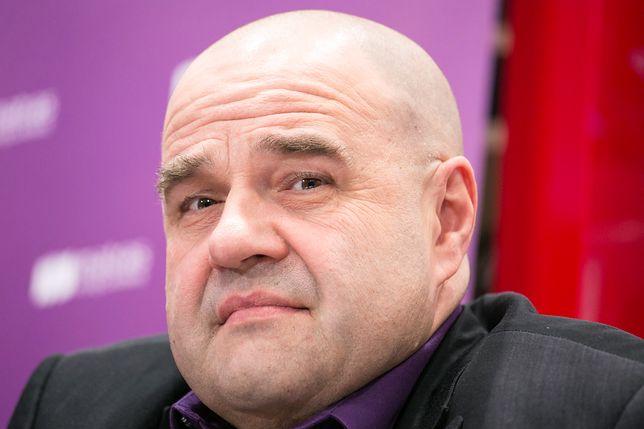 """""""Naród wspaniały, tylko ludzie ku..."""". Cezary Żak cytuje Piłsudskiego i krytykuje przeciwników Owsiaka"""
