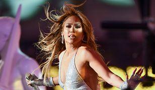 Włosy Jennifer Lopez są w opłakanym stanie. Zawinił stres?