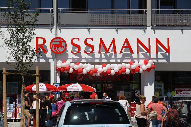 """Rossmann otwiera """"flagową"""" drogerię. Kosmetyki nabierzesz do własnego pojemnika"""