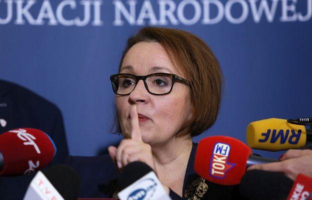 Broniarz: jedynym organizatorem poniedziałkowych pikiet jest ZNP. Nieprawdziwe i oszczercze informacje minister Zalewskiej