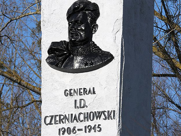 Polskie władze odpowiadają na słowa rzeczniczki rosyjskiego MSZ Marii Zacharowej ws. sowieckich pomników