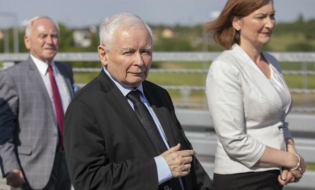 Prezes PiS Jarosław Kaczyński i Ewa Leniart, przegrana w wyborach na prezydent Rzeszowa