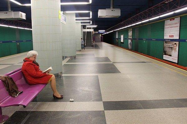 Wymienią szyny na I linii metra. Utrudnienia w weekendy