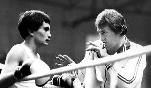 Zbigniew Pietrzykowski po latach na ringu został trenerem. Na zdjęciu po prawej.