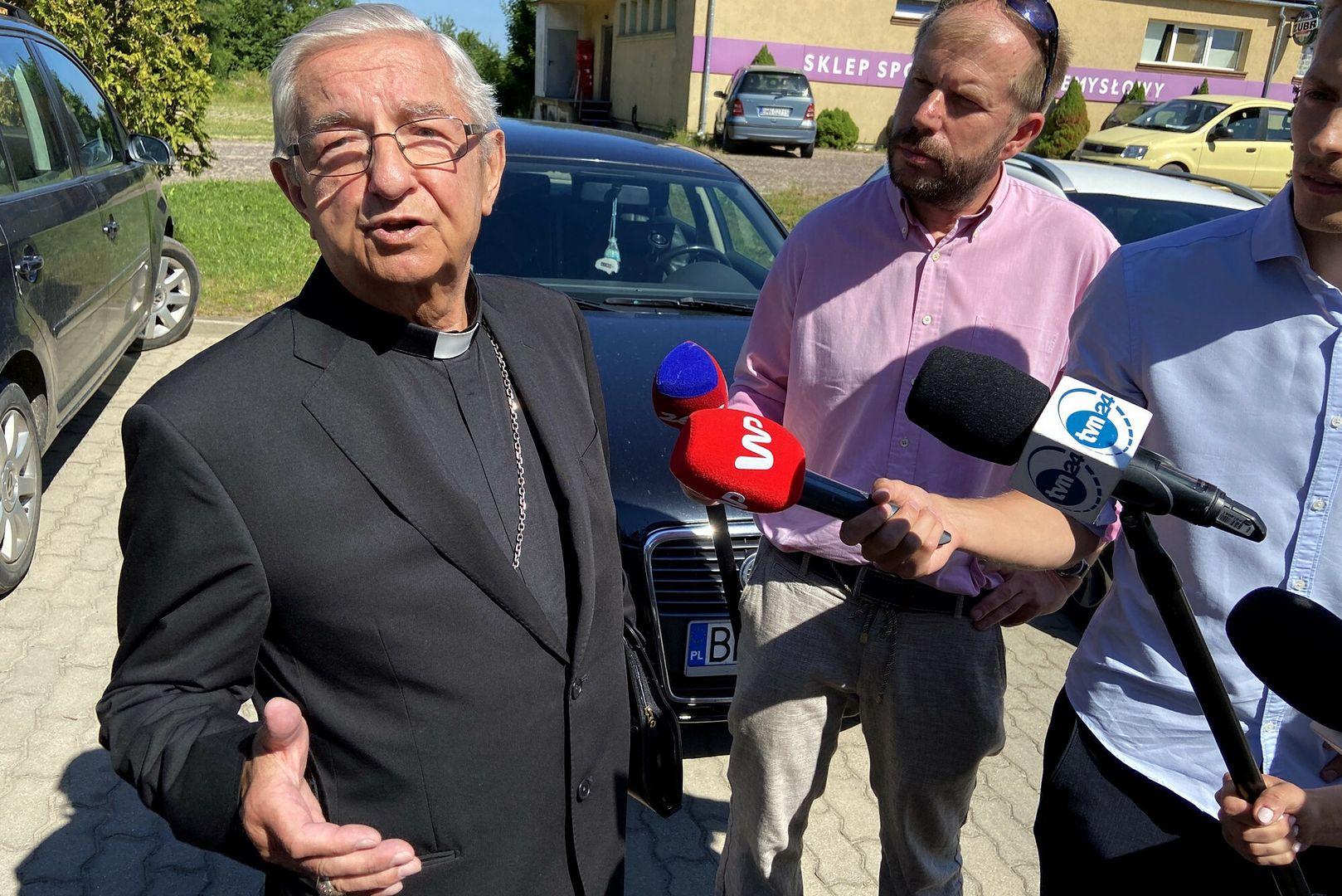 Emerytowany arcybiskup, obecnie sołtys Sławoj Leszek Głódź