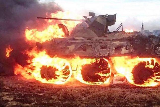 Śmiech z Rosjan. Rezerwista spalił wóz pancerny podgrzewając jedzenie