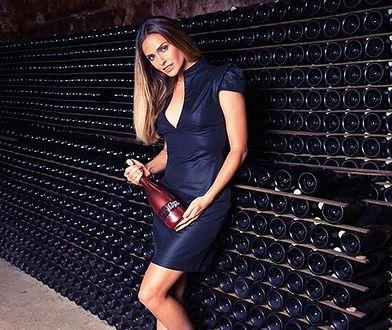 Clara Morgane została ambasadorką marki produkującej szampana