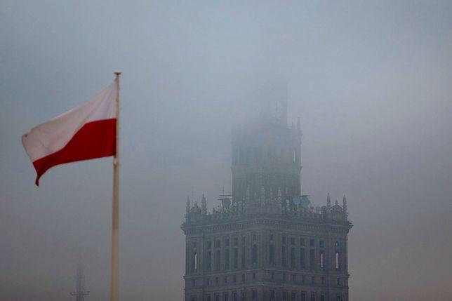 Smog nad Pałacem Kultury