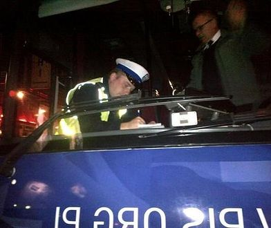 """Szydłobus skontrolowany przez policję przy Nowogrodzkiej. """"Ktoś złożył donos"""""""