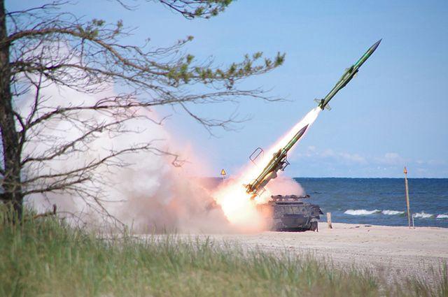 Niebo nad Ustką zaroiło się od rakiet i pocisków - zdjęcia
