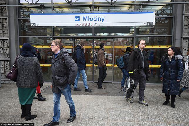 Na stacji Młociny pozostawiono bagaż.