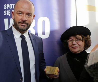 Seniorzy, którzy posiadają Wrocławską Kartę Seniora i ukończyli 75 lat, mogą skorzystać z darmowych przejazdów taksówkami
