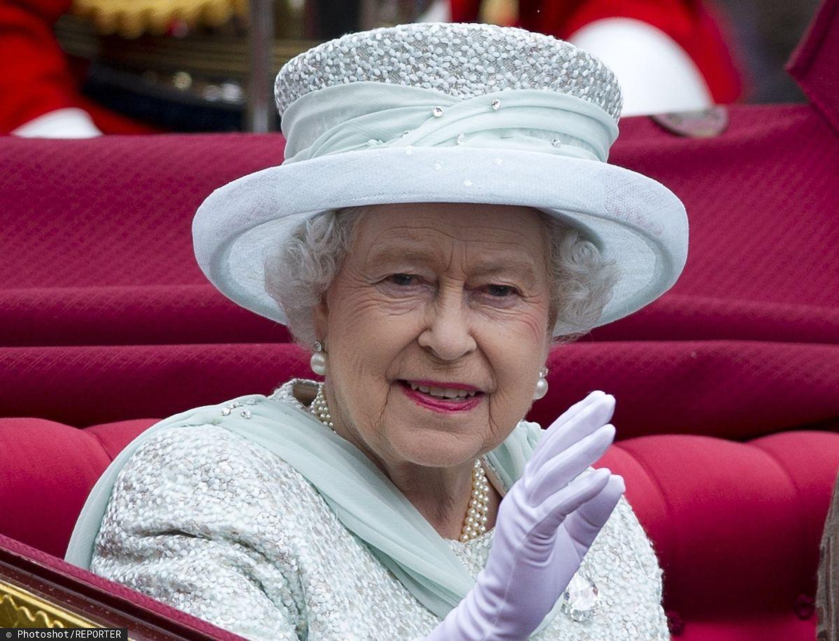 """Królowa Elżbieta II wydała oświadczenie w związku z pandemią koronawirusa. """"Sprostamy temu wyzwaniu"""""""