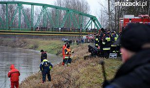 W piątek wyłowiono z Wisłoka samochód z ciałami pięciu osób