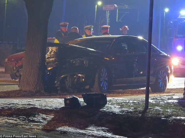 Internauci nie wierzą w oficjalną wersję wypadku premier Szydło.