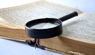 Słownik i lupa