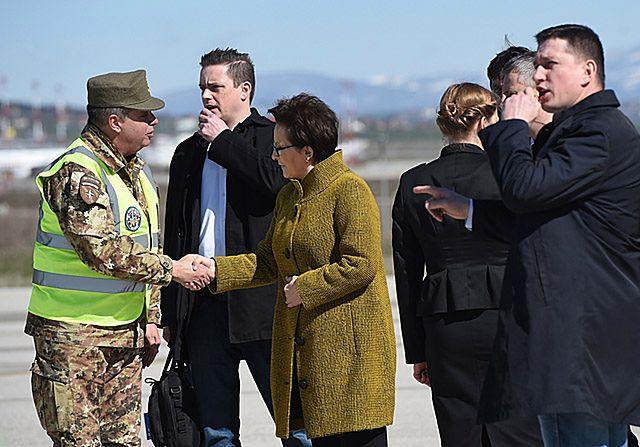 Kopacz ze świąteczną wizytą u żołnierzy w Kosowie
