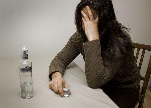 """Pijani rodzice """"opiekowali się"""" niepełnosprawnym dzieckiem. 16-latek trafił do szpitala"""