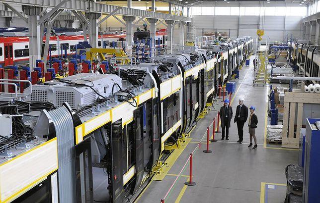 Za cztery lata po Warszawie będzie jeździć ponad pół tysiąca niskopodłogowych tramwajów