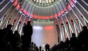 Świątynia Opatrzności Bożej. Tysiące ludzi podczas pierwszej mszy [GALERIA]