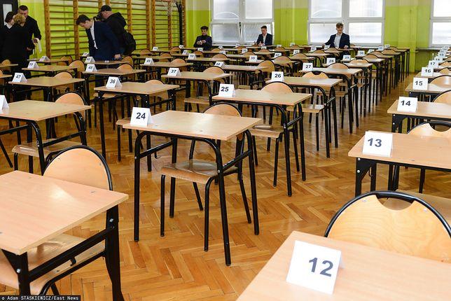 Próbne egzaminy ósmoklasisty ze względu na pandemię koronawirusa odbywają się online