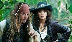 Johnny Depp rozbraja Penélope Cruz